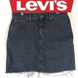 Levi's black denim fringed jean fall skirt size 28